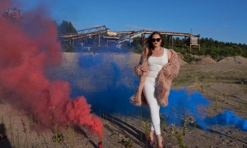 Agnė. Fotosesija smėlio karjere su spalvotais dūmais ir ne tik :)