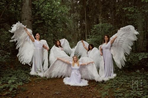 Leila dance: Angelai ir Čigonės